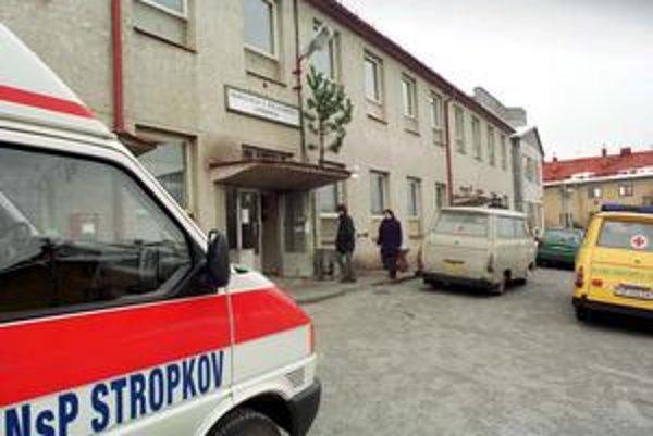 Nemocnicu v Stropkove chcela opravovať jedniná firma.