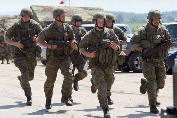 Technická životnosť dôležitej vojenskej výzbroje sa postupne skončí, bude ju treba nahradiť.