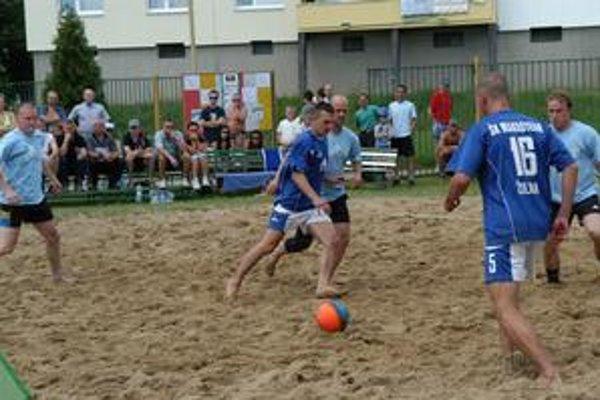 Plážový futbal. Stáva sa v Prešove koloritom začínajúcich prázdnin.