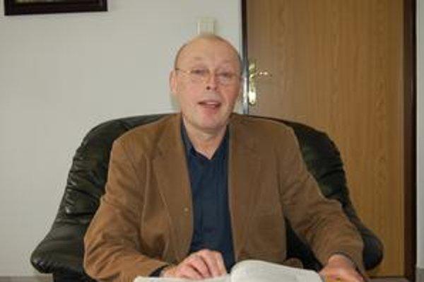 Štefan Hanigovský. Plánuje rozšíriť kapacitu prešovskej spaľovne. Tvrdí, že tým zhodnotí odpad a vyrobí energiu.