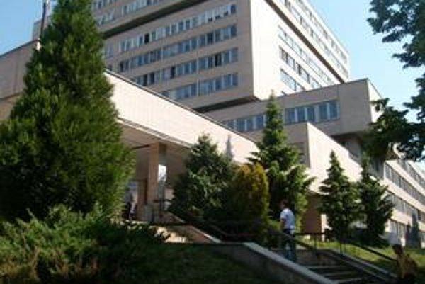 Fakultná nemocnica. Podľa C. Václava nemocnice nechcú školiť lekárov.