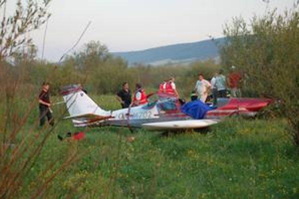 Lietadlo dopadlo na brucho. Na mieste zomrel 63-ročný pilot z Veľkého Šariša (okres Prešov).