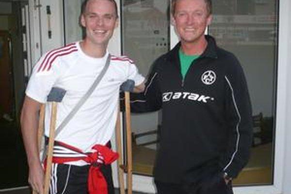 Jaroslav Prekop. Opieral sa o barly i o dobre naladeného asistenta trénera J. Kostelníka.