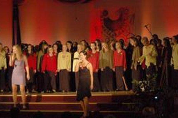 Slávnostný koncert. Naraz spievali súčasní aj bývalí členovia.