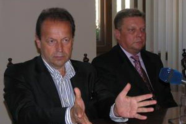 Rokovanie o IPZ. Pavel Hagyari (vľavo) a Miroslav Biroš.