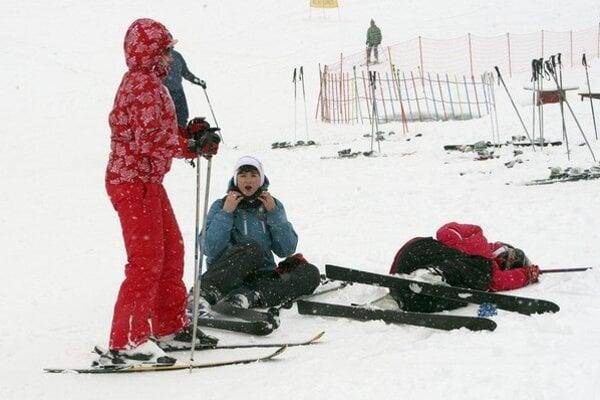 V obci Regetovka s niečo vyše dvoma desiatkami obyvateľov je lyžiarske stredisko.