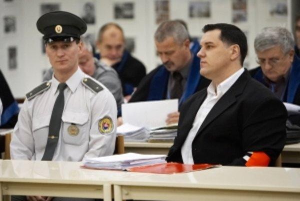 Mikuláš Černák pred súdom.