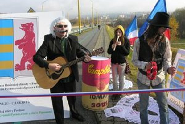 """Andy Warhol"" - Jozef Keselica počas happeningu."