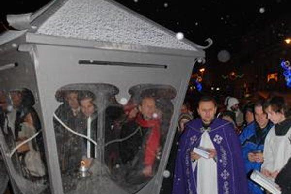 Dekan Drondzek svätí kahanec.