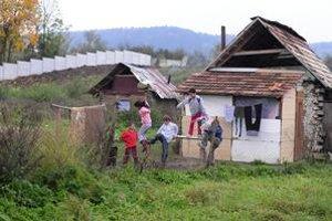 Múr v Ostrovanoch sa stal ostro diskutovanou témou. Preverovala ho aj prokuratúra.