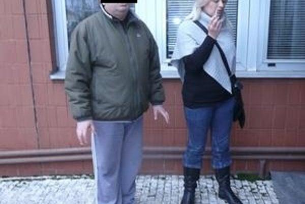 Vdova po bossovi. Žije v zahraničí, na Slovensko sa vrátiť nemieni (na snímke s otcom).