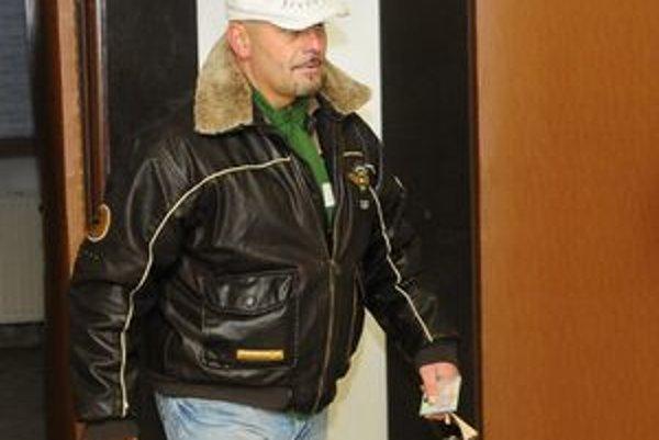 Miloš Kaštan prichádza ako svedok pred prešovský súd.
