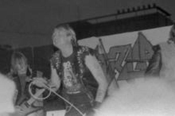 V zlatých časoch. Spevák Leiche a Striga na koncerte v roku 1989.