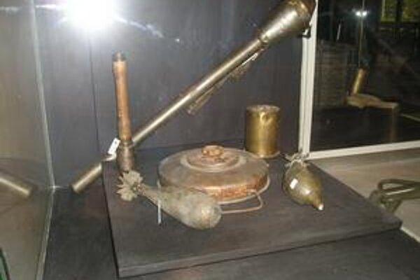 Munícia. Súčasťou expozície tokajíckeho múzea je aj munícia z obdobia II. svetovej vojny.