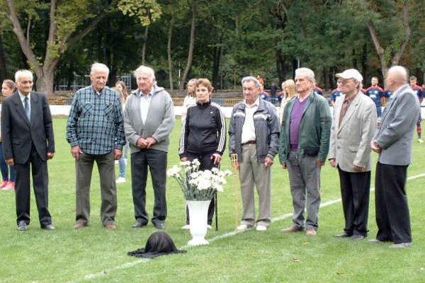 Spomínali na tragicky zosnulých Trebišovčanov. Od nehody na Branisku uplynulo pred niekoľkými dňami presne 70 rokov.