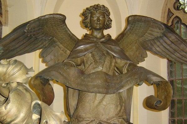 Anjel na sarkofágu. Andrássyovské mauzóleum v Trebišove je zaiste veľmi vzácnou pamiatkou.