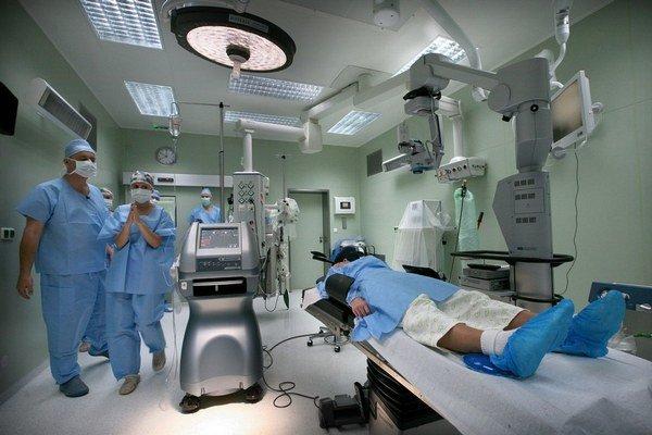 Pacienti chodia za hranice najmä na operácie očí.