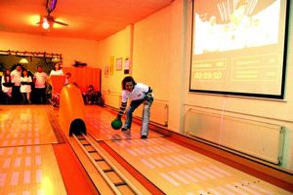Rekord podporili hrou aj pracovníci mestského úradu.