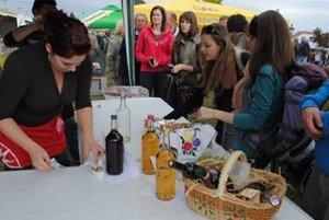 Tokaj. Návštevníkov čakajú zemplínske špeciality, vynikajúce vína z tokajskej oblasti a gurmánske špeciality zahraničných Slovákov.
