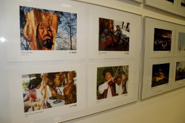 Fotografie sú vystavené v Regionálnom kultúrnom centre v Prievidzi.