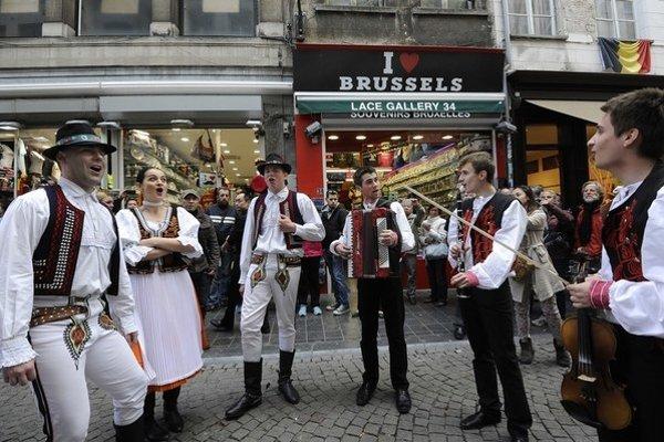 Folklórny súbor Sabinovčan. Reprezentoval v Bruseli Prešovský kraj.