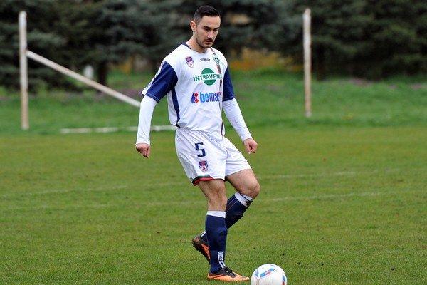 Opora. Veľký podiel na najmenšom počte inkasovaných gólov mal kapitán Š. Michalian Baka.