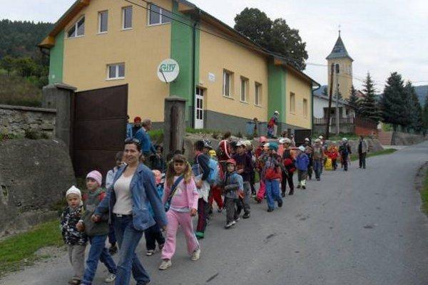 V obci museli zavrieť školy.