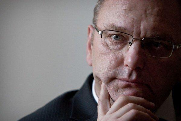 Vicepremiér Ľubomír Vážny dúfa, že pokuty za nesprávne čerpanie eurofondov budú len v desiatkach miliónov eur.