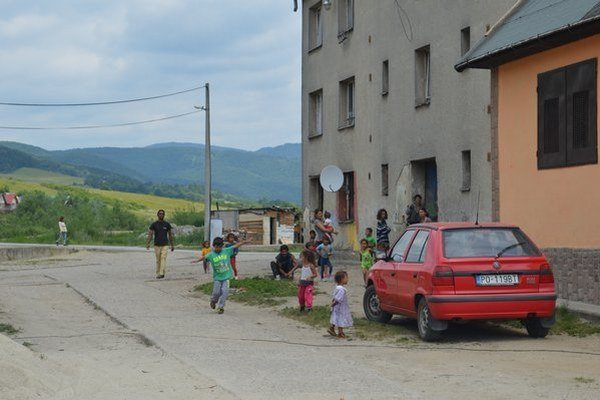 Rómska komunita v Pečovskej Novej Vsi.