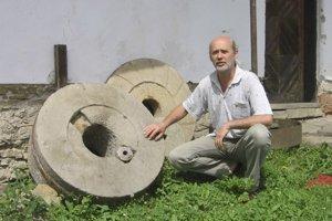 Vodný mlyn. Objekt postupne rekonštruuje jeho majiteľ Ján Sabolík.