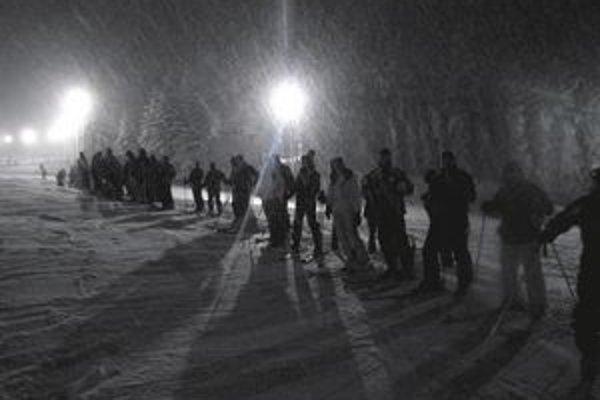 Večerné lyžovanie sa na Drienici teší obľube.