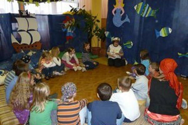 V knižnici prespalo 20 detí. Deťom sa veľmi páčilo.