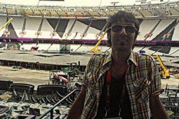 Marián Džubák na olympijskom štadióne v Londýne.