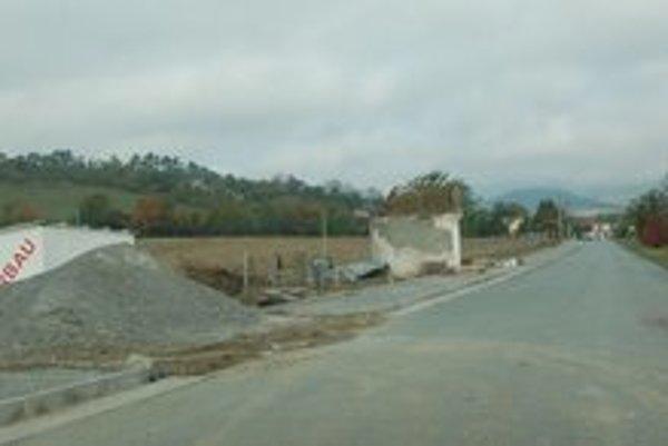 Výstavba cyklochodníka. Začali ho stavať v auguste, ukončiť ho majú v novembri.