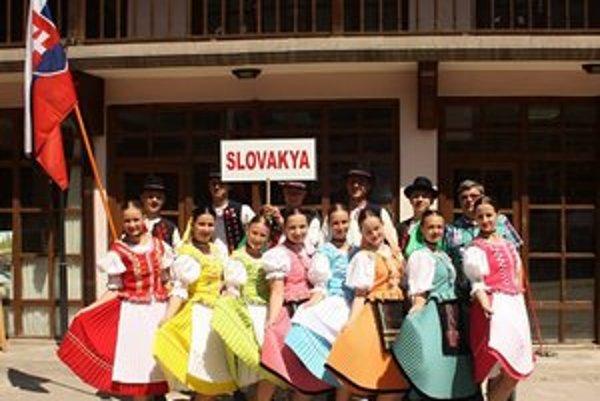 Milovníci folklóru. Svoje tradičné tance zatancovali v Turecku.