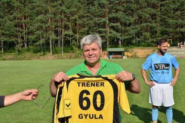 Dobrý štart. Uplynulá sezóna začala pre trénera futbalistov FK Krh. Podhradie Júliusa Baltu príjemne. Na jej začiatku oslávil okrúhle jubileum.