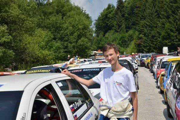 Talent. Denis Pavlík začínal s autokrosom, teraz jazdí kopce, no rád by si skúsil aj rely.