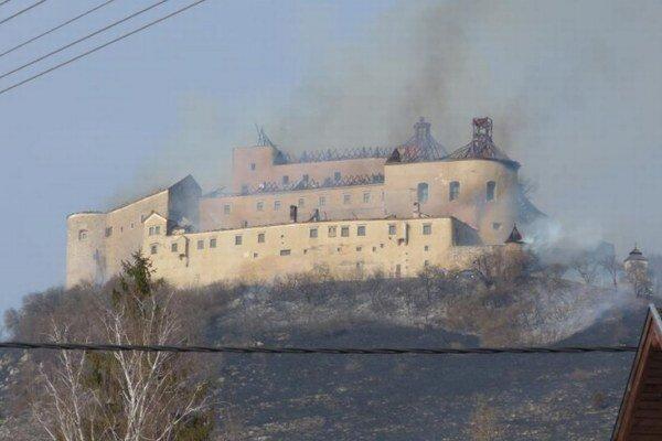 Pri požiari bolo poškodených množstvo predmetov zo zbierkového fondu.