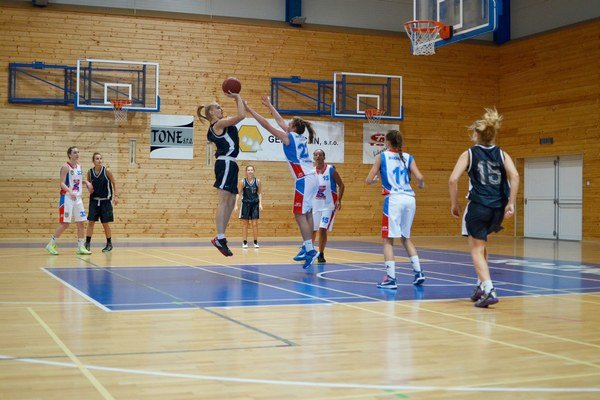 ŽBK Rožňava. Družstvo ŽBK bojuje v Karpatskej lige žien.