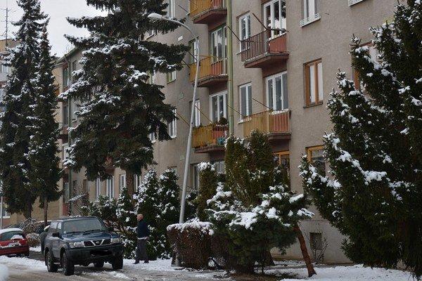 Sídlisko Vargovo pole. Jeho obyvatelia sa sťažujú na problémové osvetlenie.
