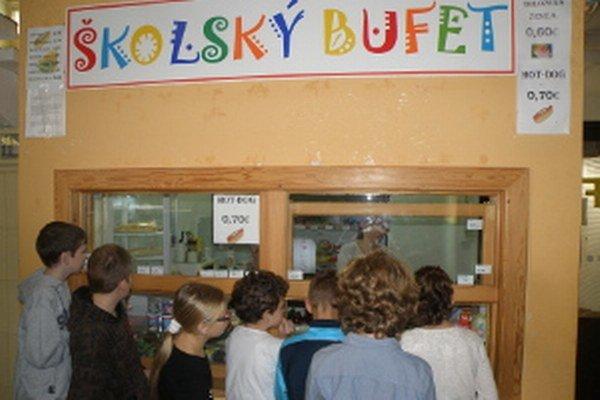V škole na Rastislavovej ulici majú žiaci o nákup v bufete záujem.
