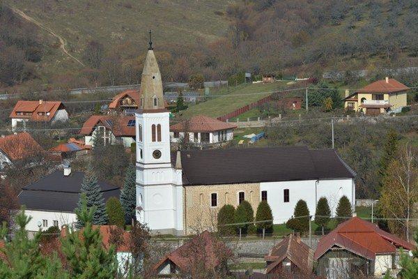 Neobyčajný kostol vLipovníku. Pomocou výskumov zistili, že je o2 až 3 storočia starší, než pôvodne predpokladali.