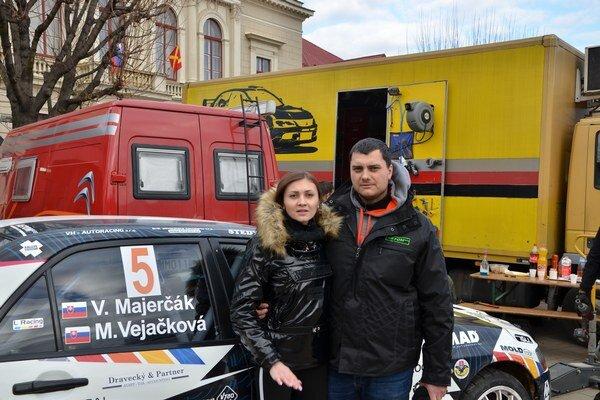 Posádka. M. Vejačková aV. Majerčák na Dobšinskej zime 2016.