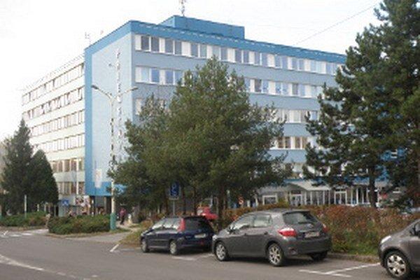 V budove Priemstavu by raz mohol sídliť celý mestský úrad.