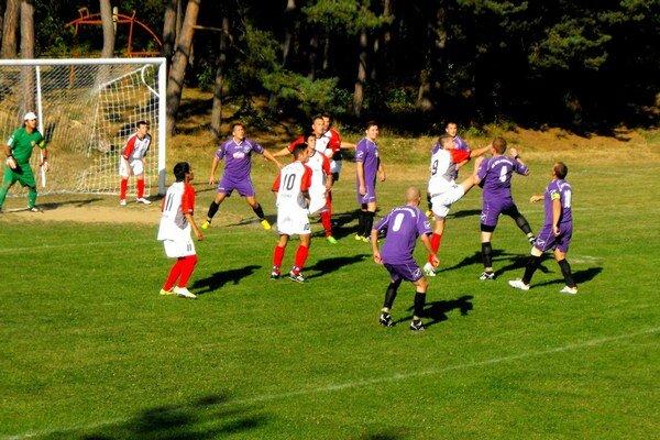Stratili body. Krh. Podhradie si po zápase s Turňou n/B zaknihovalo prvú domácu prehru v sezóne.