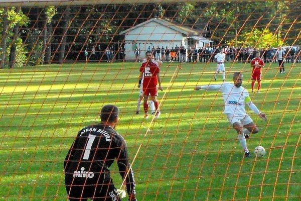 O deľbe bodov rozhodla úspešná penalta Miloša Galla.