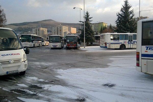Autobusová stanica. O rok sa tu možno zmení situácia.