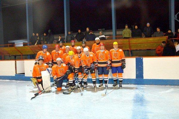 Liba Team. Láska k hokeju a športu všeobecne zostáva aj dlho po skončení aktívnej činnosti.
