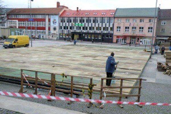 Klzisko začali budovať minulý týždeň.