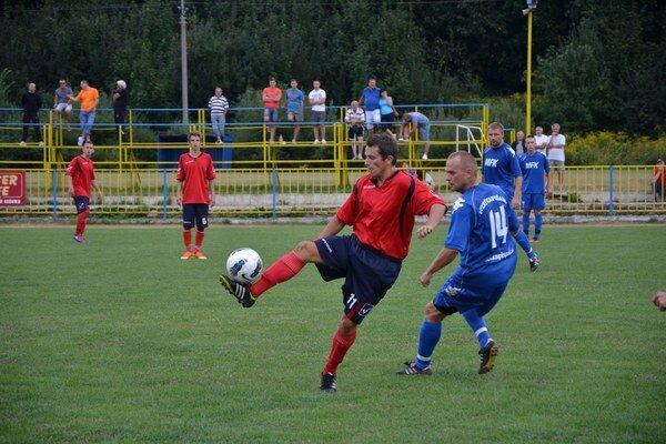 Tri góly. Rožňava na jeseň zdolala Šacu 3:0. Dva góly vtedy zaznamenal J. Figúr.